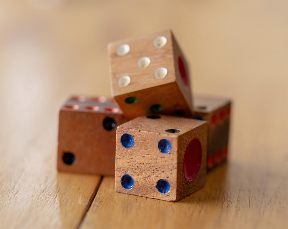 juegos infantiles dados madera